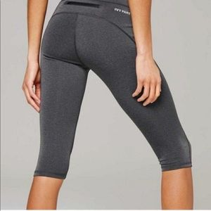 Ivy Park High Rise Structured Crops